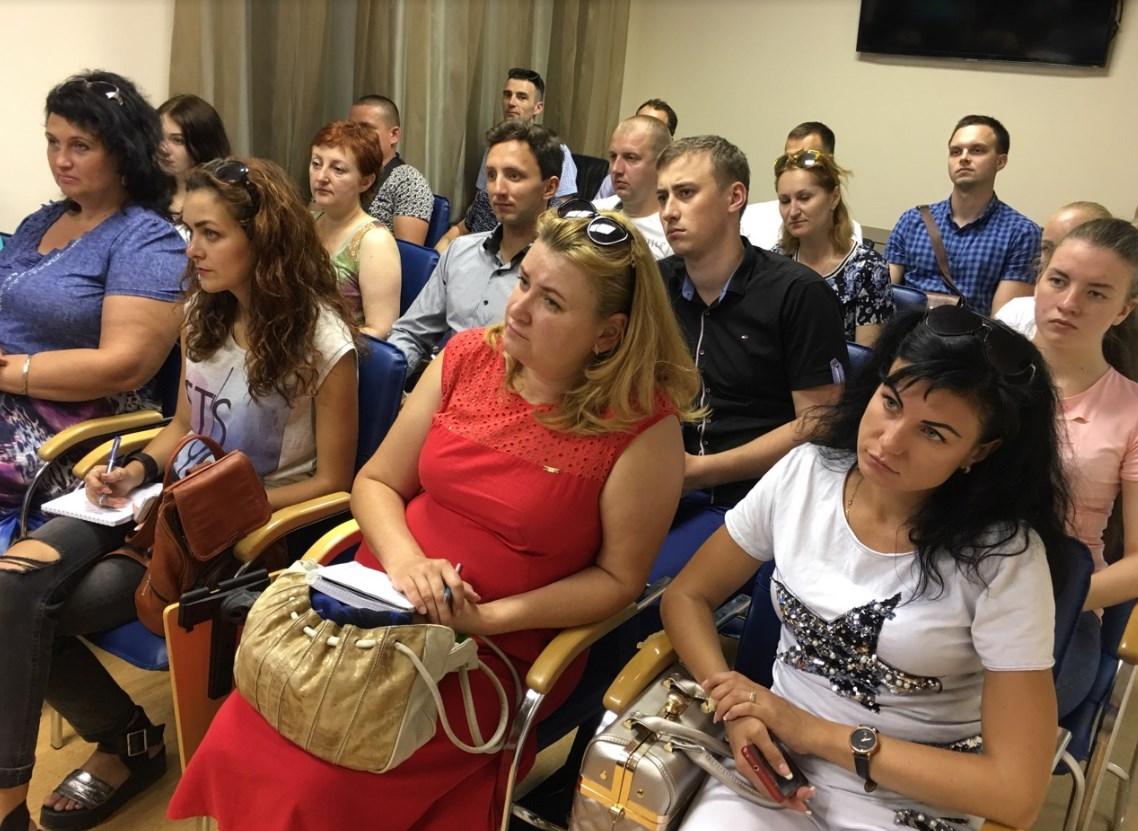Семінар в дніпровському офісі Центру Біржових Технологій на тему: фінансова грамотність і правильне інвестування.