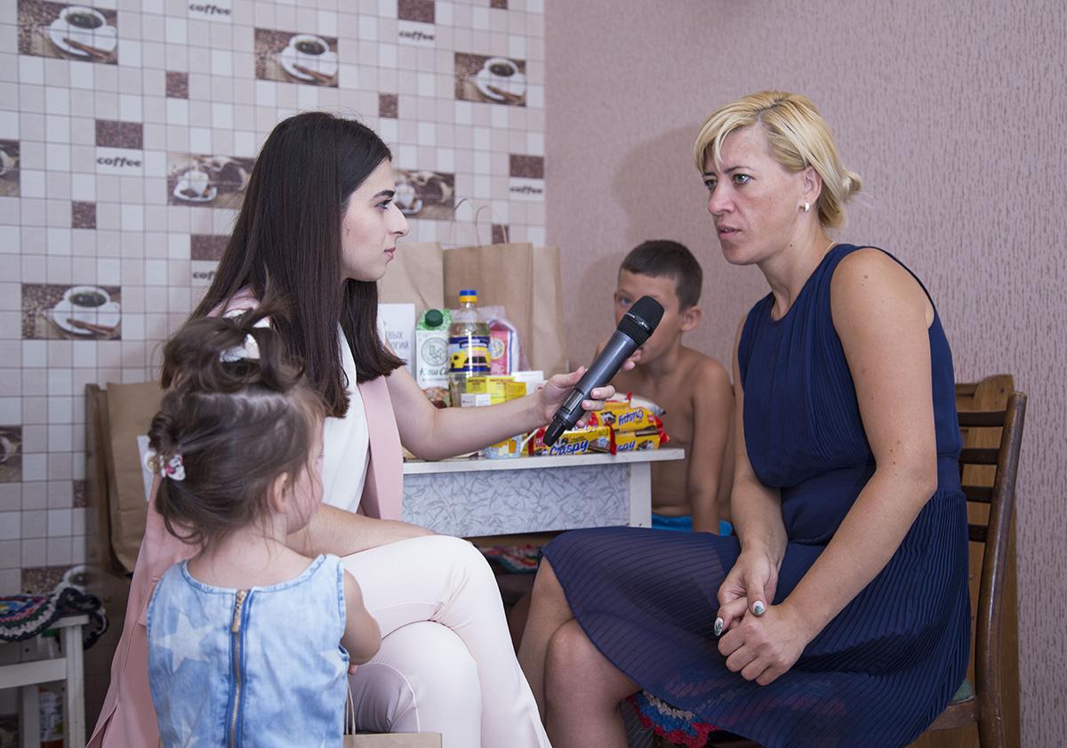 Благотворительность ЦБТ: помощь многодетной матери Наталье