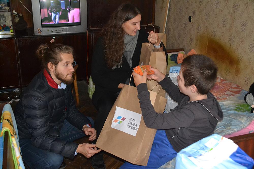 Благодійність: допомога сім'ї Антоненко (м.Київ)