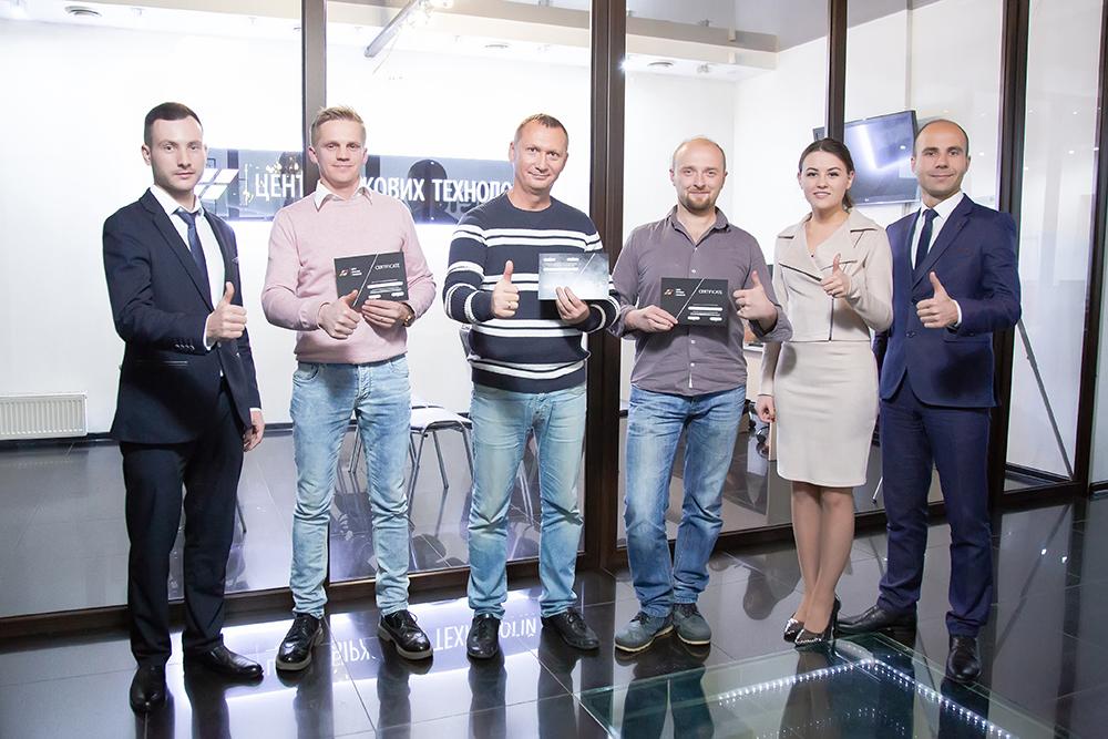 Вручення сертифікатів випускникам Курсу «ЦБТ Беластіум» в Центрі Біржових Технологій (Чернівці) - фото 1