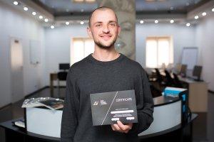 В ЦБТ-Черновцы состоялось вручение сертификатов очередной группе выпускников - 10 фото