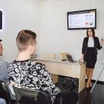 У ЦБТ-Чернівці студентам-економістам показали, як робити гроші - 3 фото