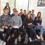 У ЦБТ-Чернівці студентам-економістам показали, як робити гроші - 11 фото
