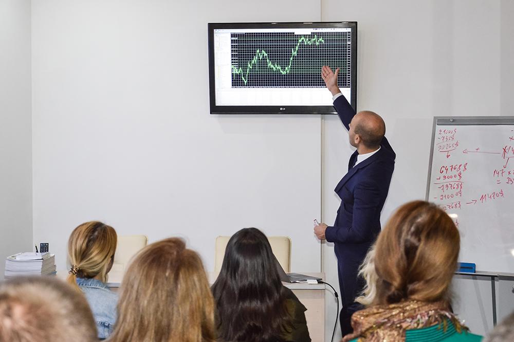 Семінар з фінансової грамотності в ЦБТ-Чернівці