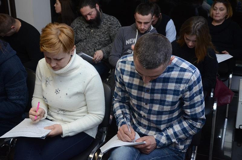 На одном дыхании. В Черновцах состоялся семинар по финансовой грамотности и инвестированию - 4 фото