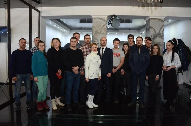 На одному диханні. У Чернівцях відбувся семінар з фінансової грамотності та інвестування  - фото 1