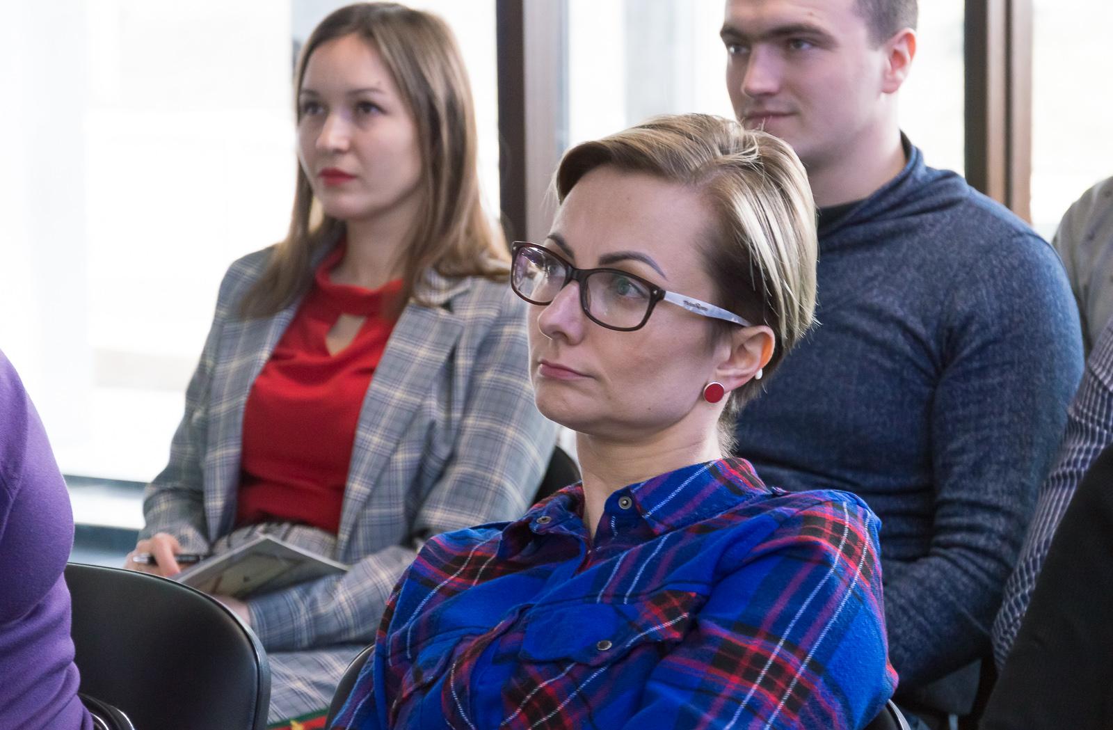 """Лекцію """"Фінансові ринки та основи біржових технологій"""" в Чернівцях відвідали студенти та викладачі МАУП - 9 фото"""