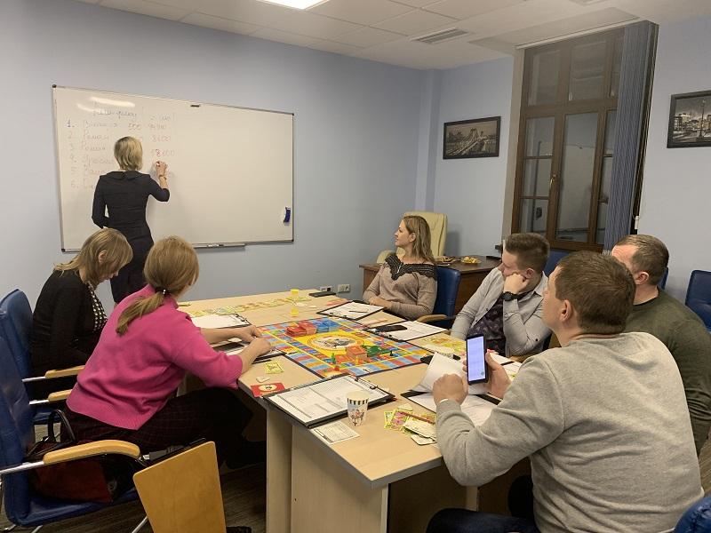 Багатіти граючи! Львівські клієнти ЦБТ тренували мистецтво управління капіталом - 9 фото