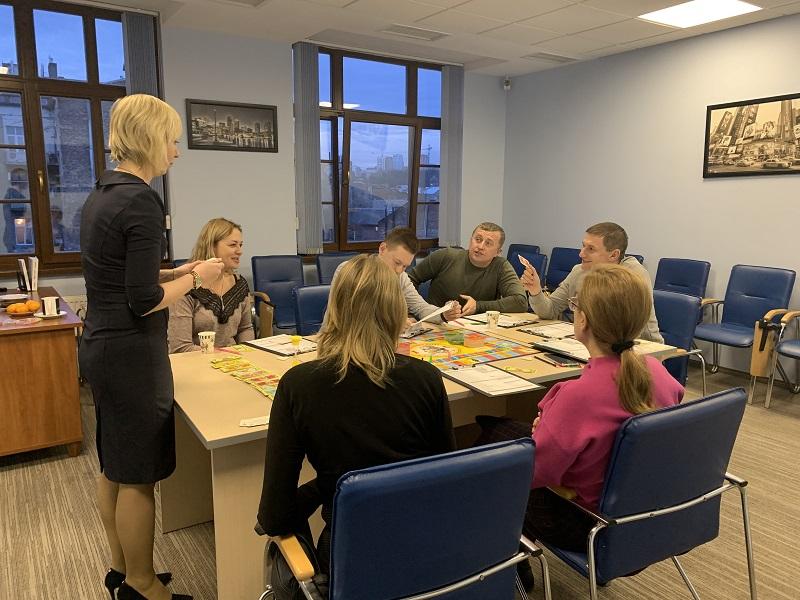 Багатіти граючи! Львівські клієнти ЦБТ тренували мистецтво управління капіталом - 6 фото