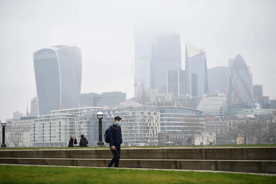 Индекс FTSE 100 падает: распространение Delta снижает экономический оптимизм