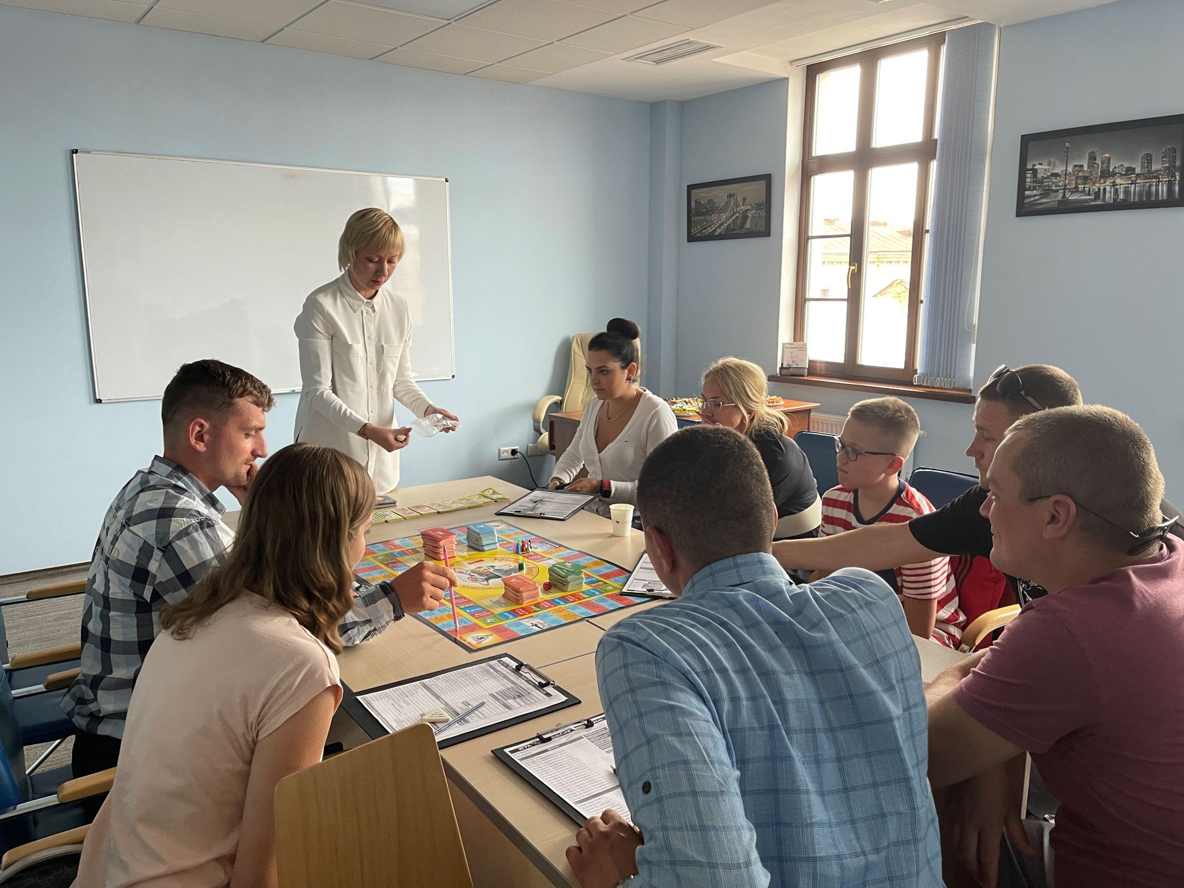 Гра Cash Flow у Центрі Біржових Технологій м. Львова - 2 фото