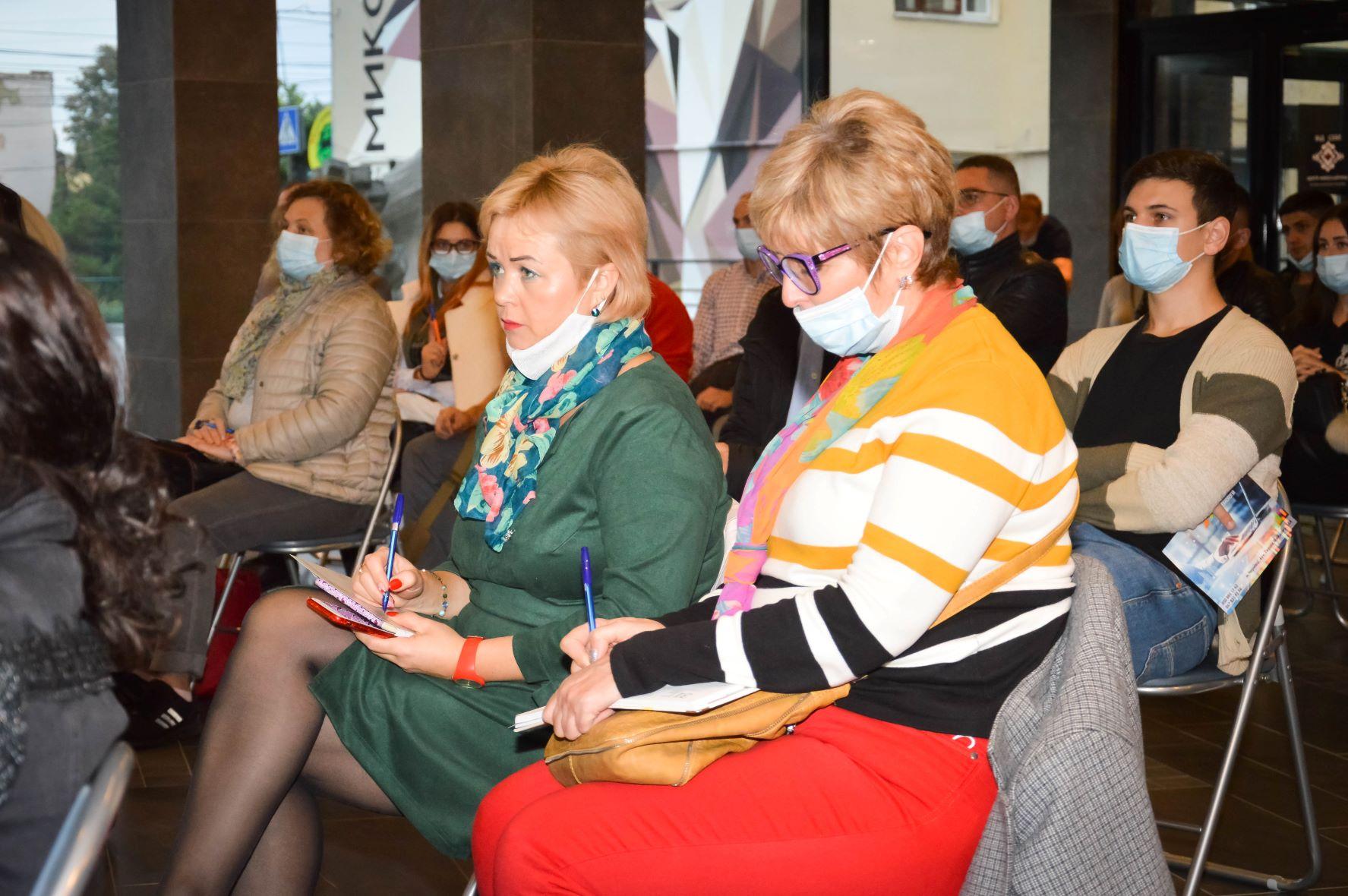 ЦБТ провів актуальну дискусійну панель в Чернівцях - 5 фото
