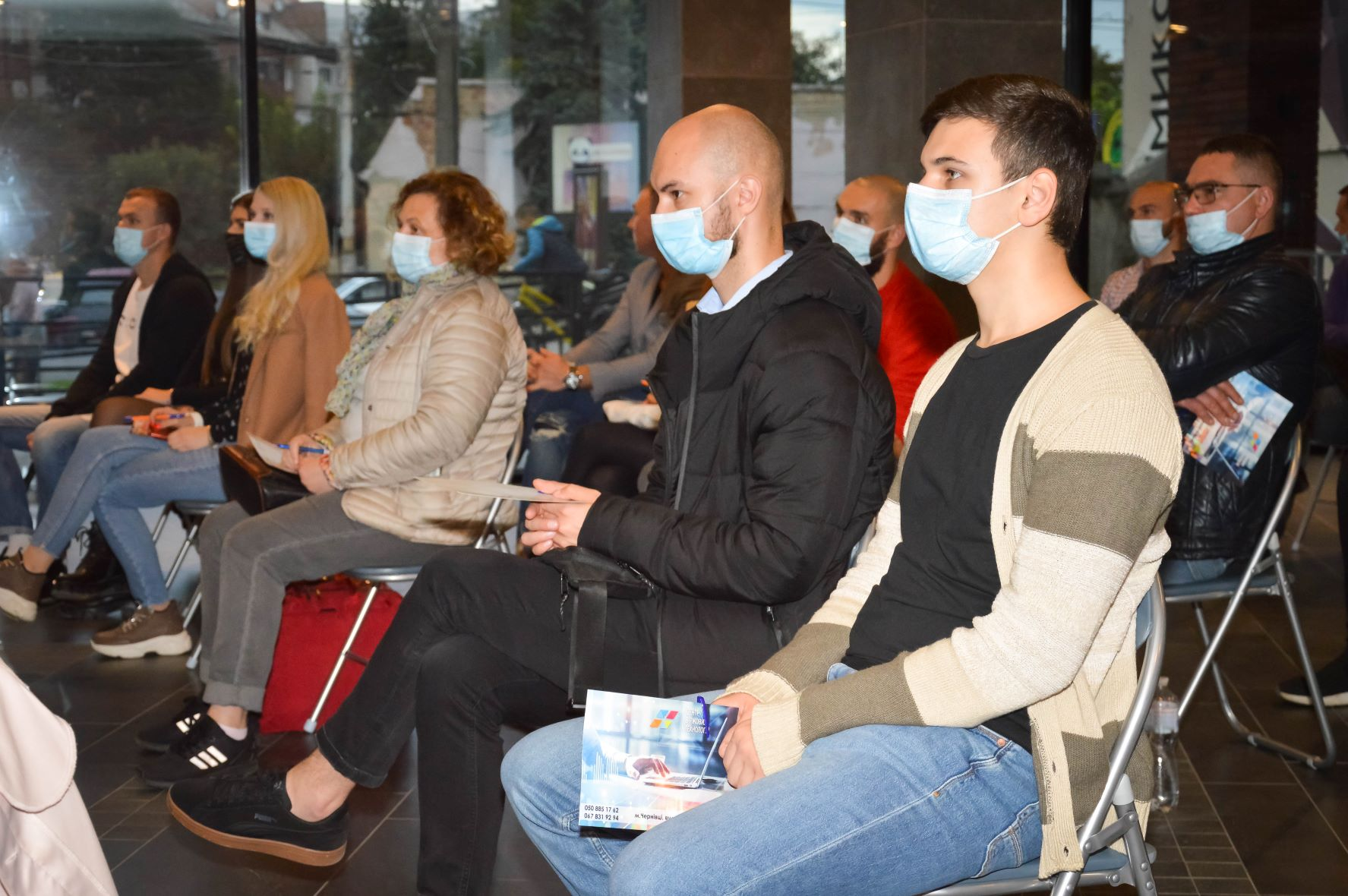 ЦБТ провів актуальну дискусійну панель в Чернівцях - 8 фото