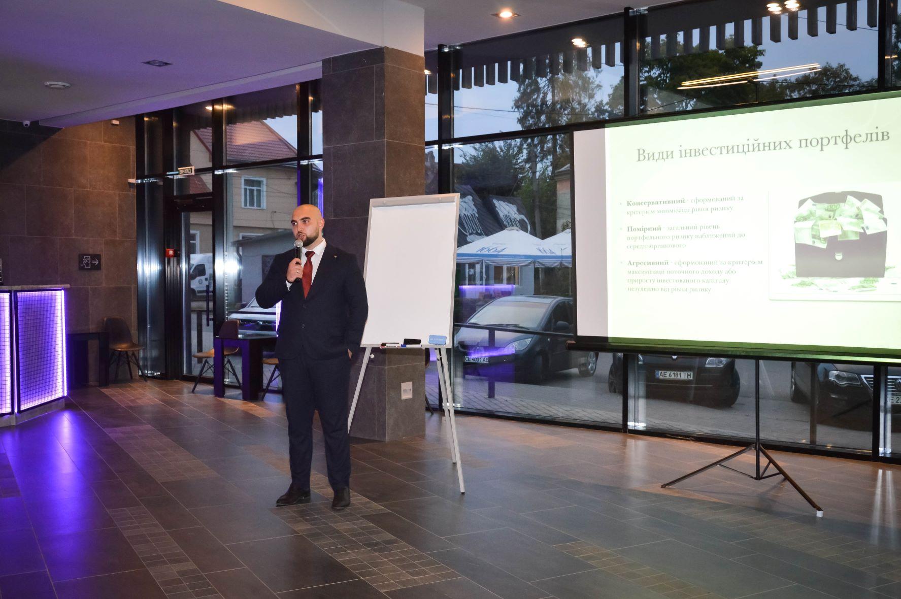 ЦБТ провів актуальну дискусійну панель в Чернівцях - 11 фото
